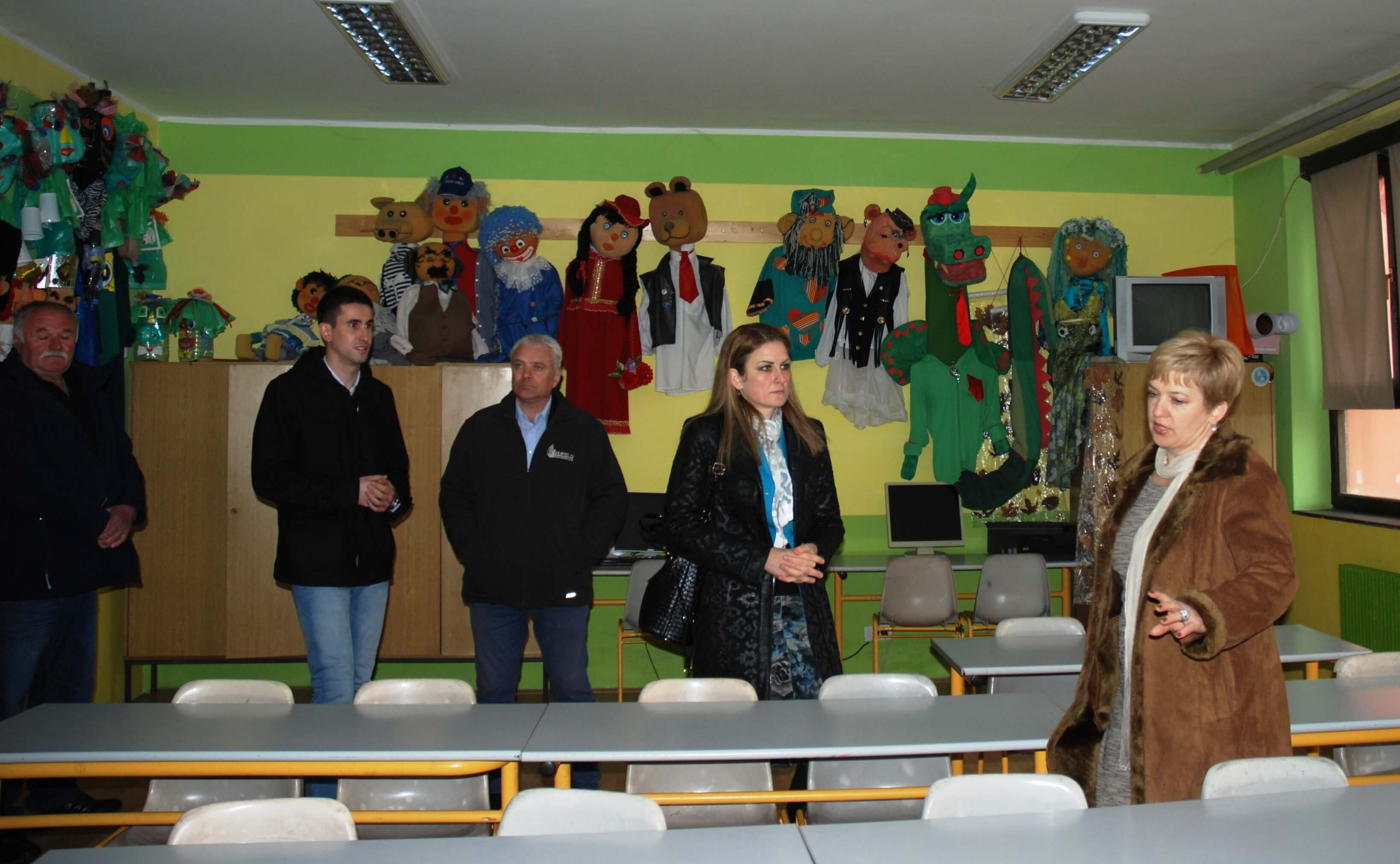 Прилилком посете градоначелнице основној школи, директорка Бранка Вулетић, је казала да школа има одличан учитељски и наставнички кадар, креативан и спреман на сарадњу