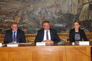 Конференцију су отворили градоначелница Сомбора Душанка Голубовић и државни секретар Имре Керн, а детаљније о пројекту је говорио проф. др Саша Бошњак, координатор пројекта