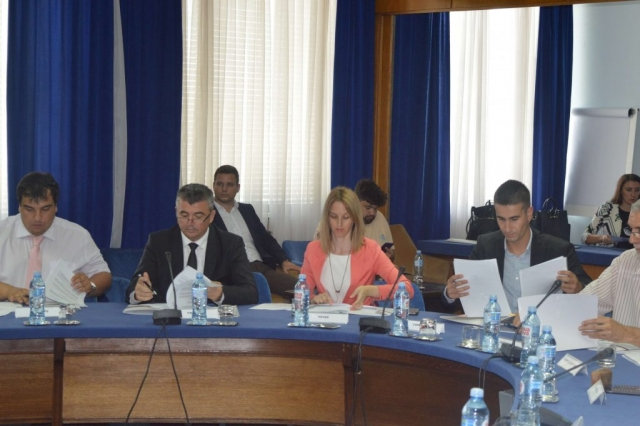 Антонио Ратковић заменик градоначелнице у Палати Србије приликом потписивања уговора