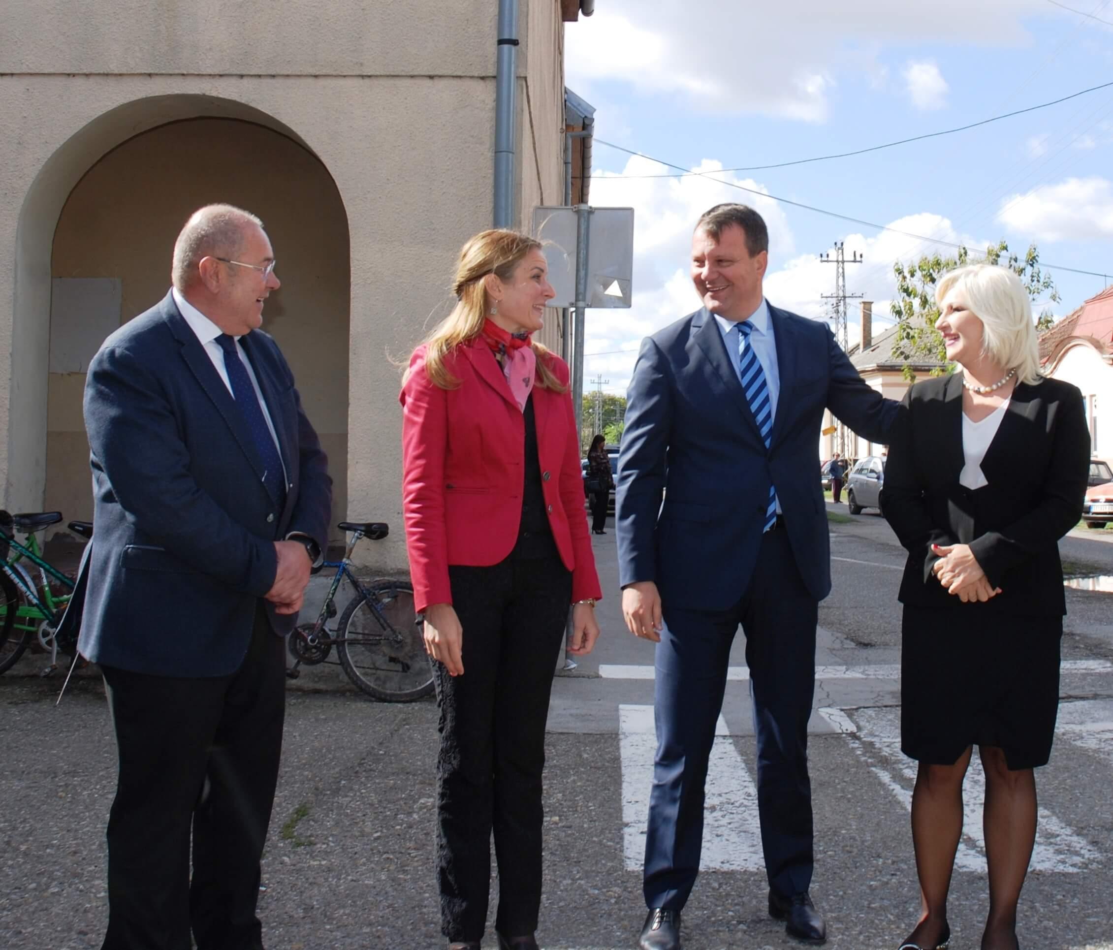 Градоначелица Сомбора Душанка Голубовић поздравља учеснике Академије за Лидере за прекограничну сарадњу