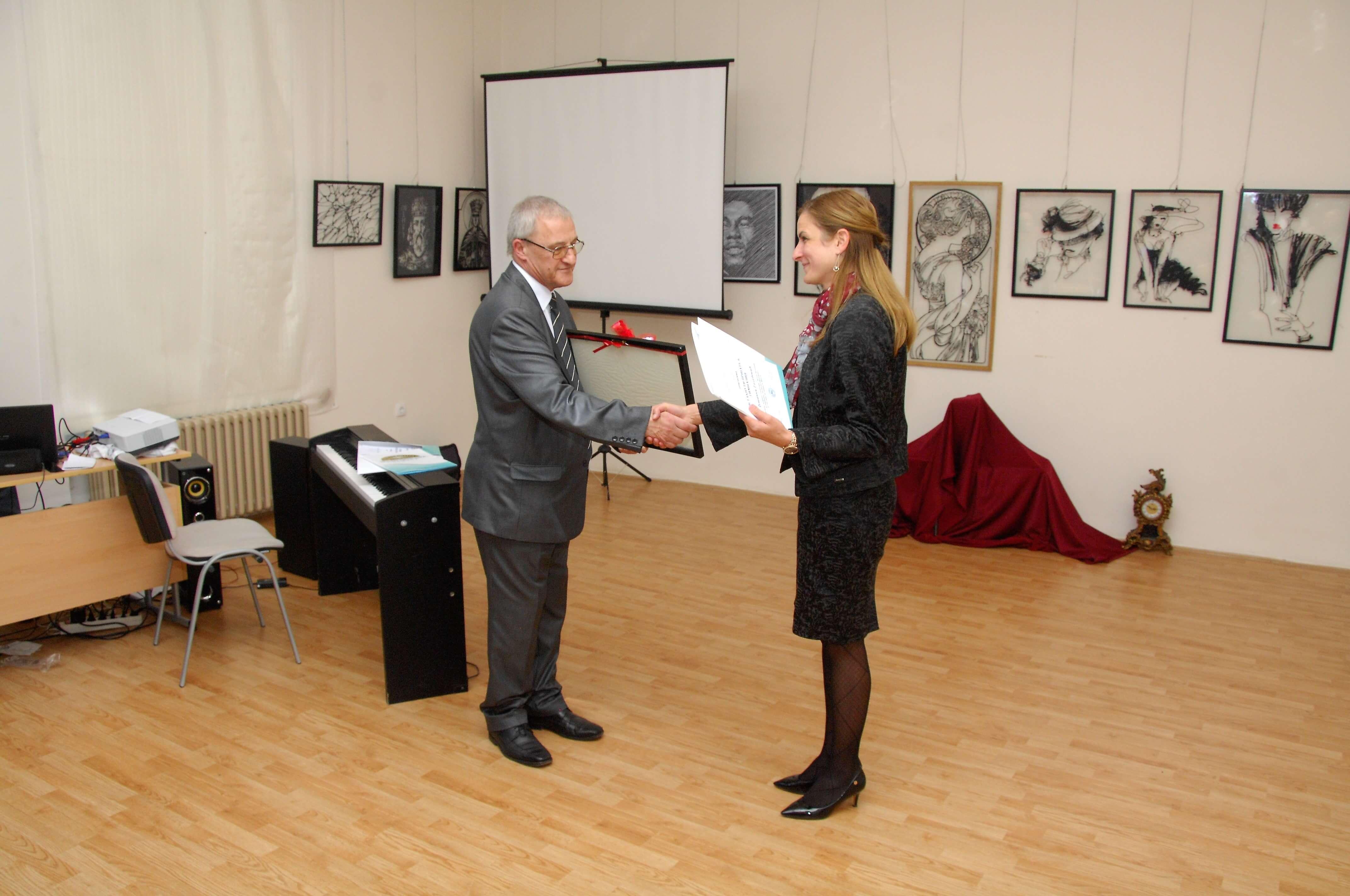 Директор Гимназије  др Ладислав Фекете и Градоначелница Сомбора Душанка Голубовић