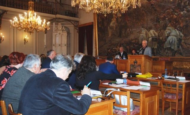 Мирослав Ковачић, члан Градског већа образлаже субвенционисање цена комуналних услуга