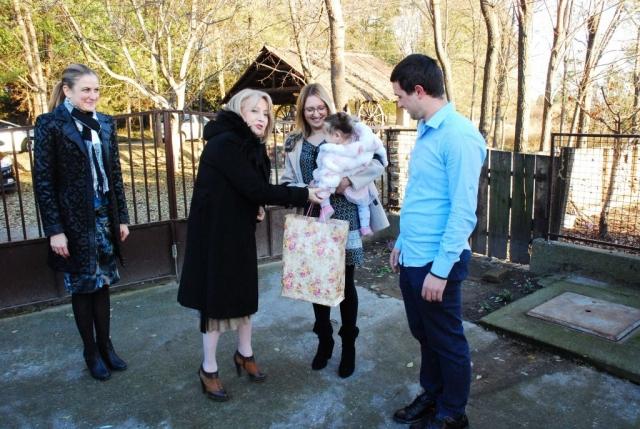 Градоначелница и министарка у посети породици Миланко