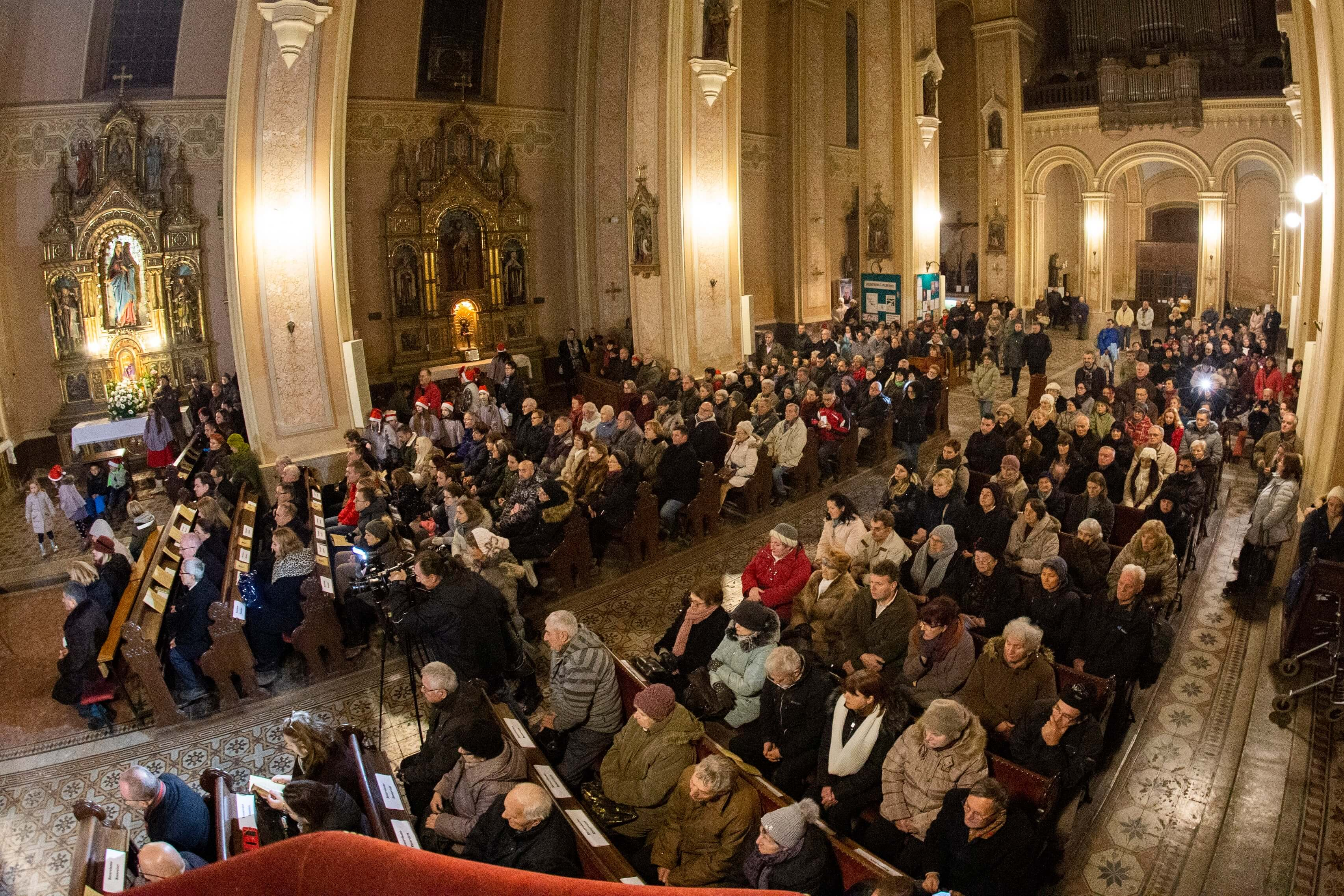 """Божићни концерт у цркви """"Св.Стјепана краља"""""""
