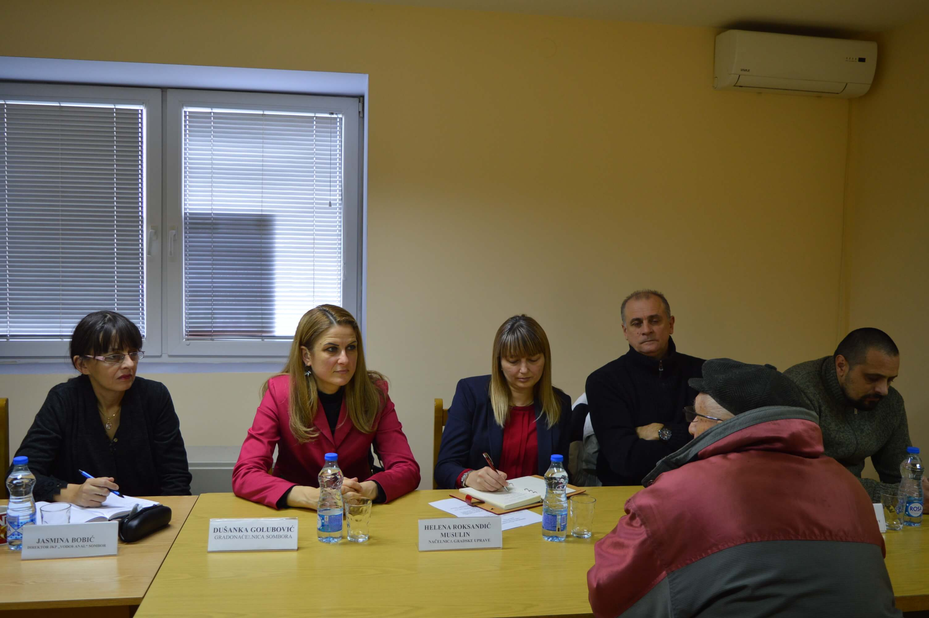 Грађани у разговору са градоначелницом Душанком Голубовић и тимом сарадника
