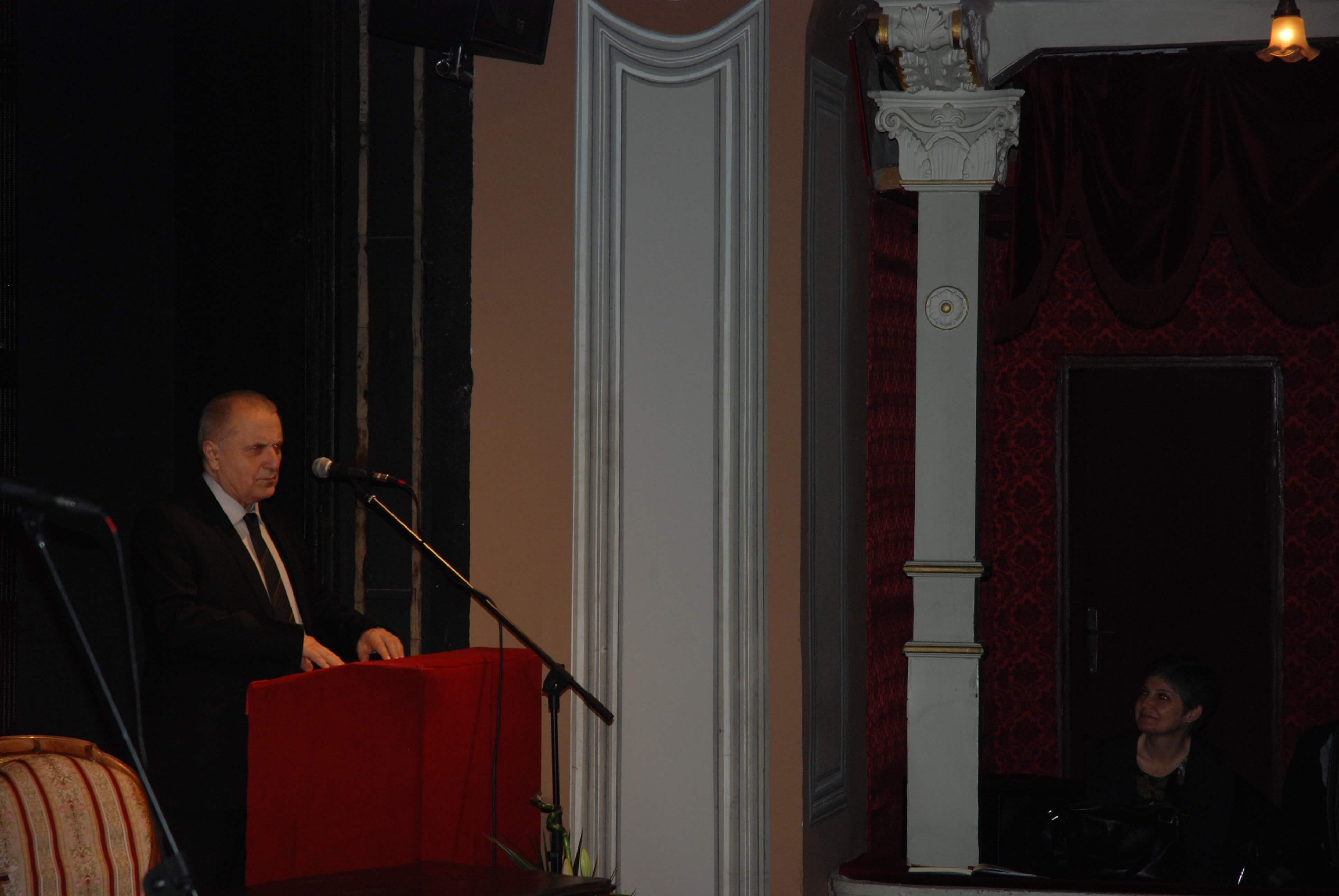 Управник библиотеке САНУ Миро Вуксановић
