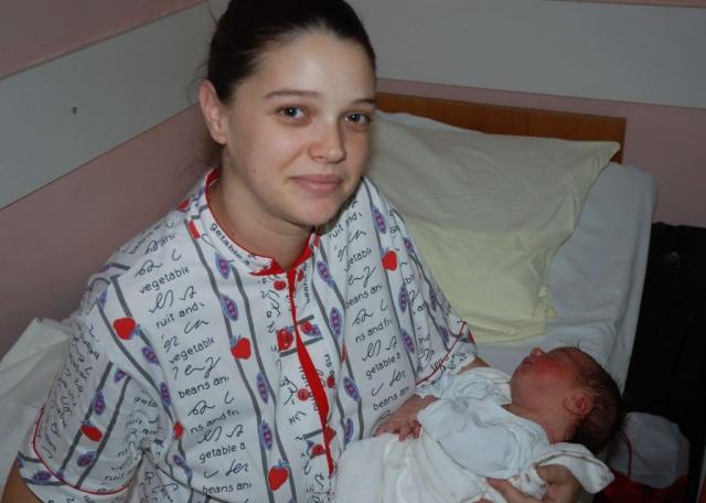 Мајка Маја Рајнхарт и прворођена беба Алексеј