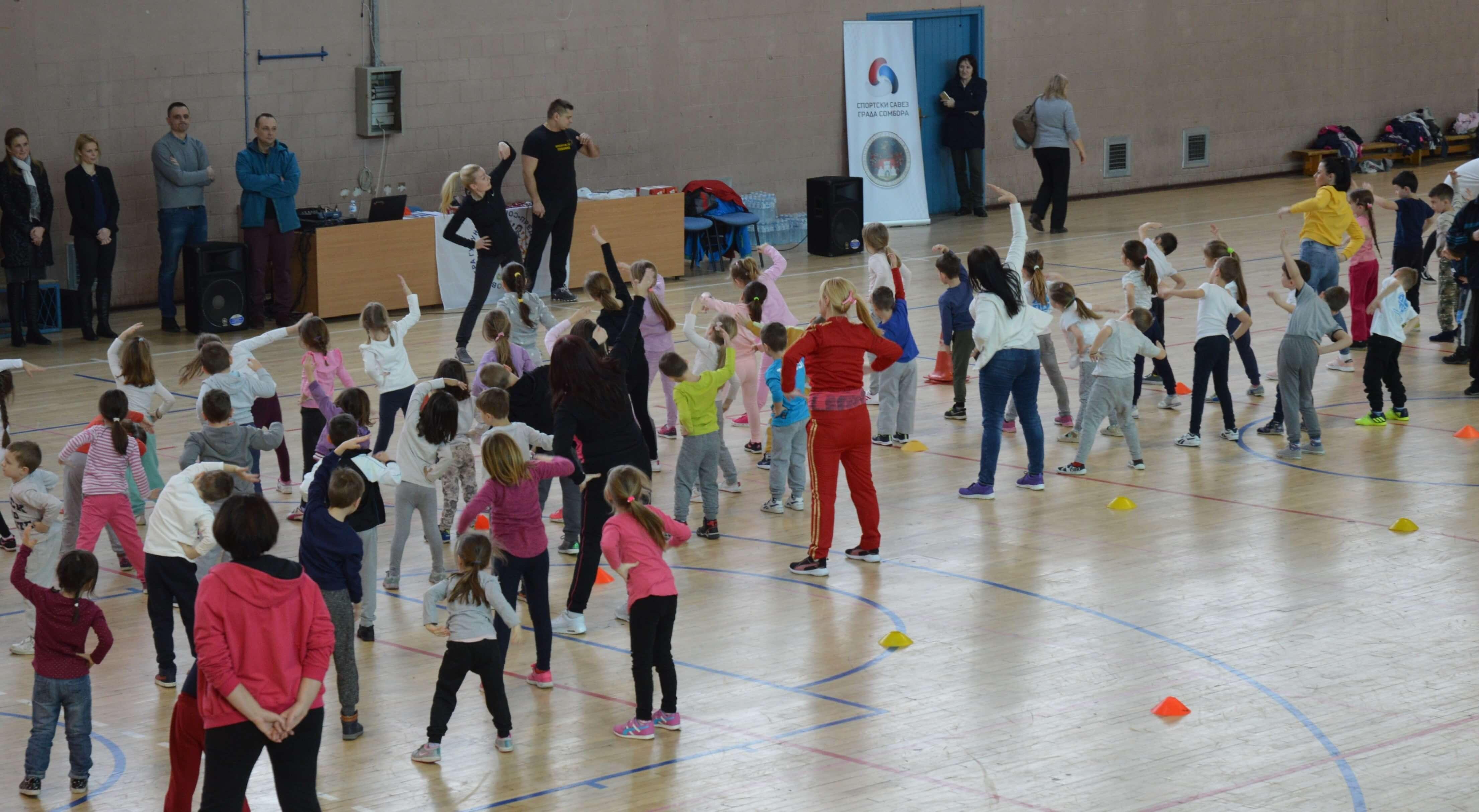 """Спортска хала """"Мостонга"""" окупила је преко 200 предшколаца"""
