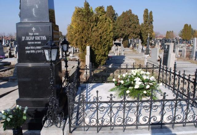 На Великом православном гробљу у породичној гробници почива велики песник Лаза Костић