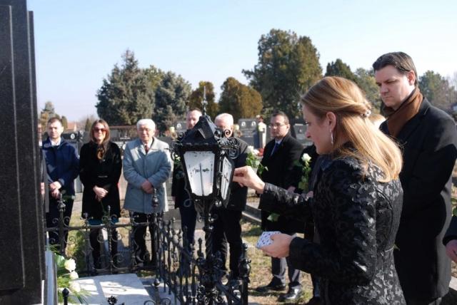 Градоначелница Сомбора Душанка Голубовић упалила кандило