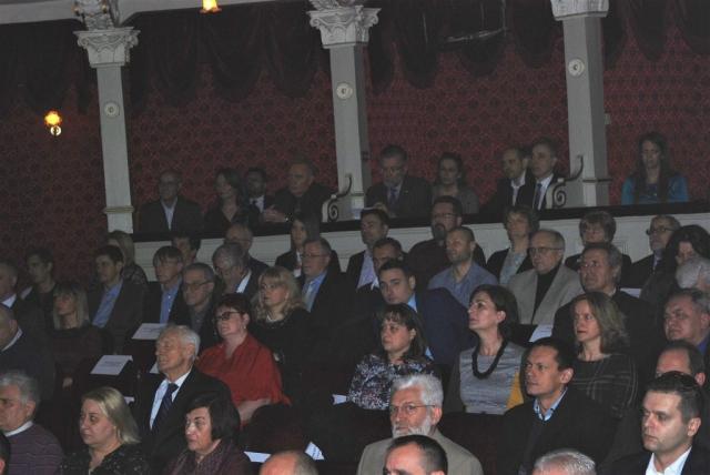 Одборници, гости, представници јавних предузећа и установа