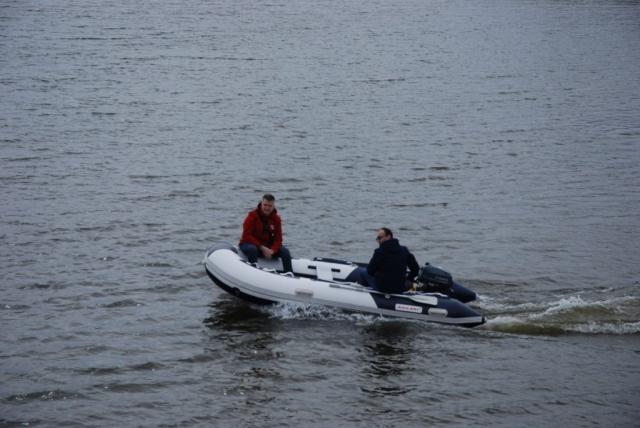 """Друштву подводних ативности """"Сомбор""""  чамац ће користити за тренажни процес заштите и спасавања на води и под водом."""
