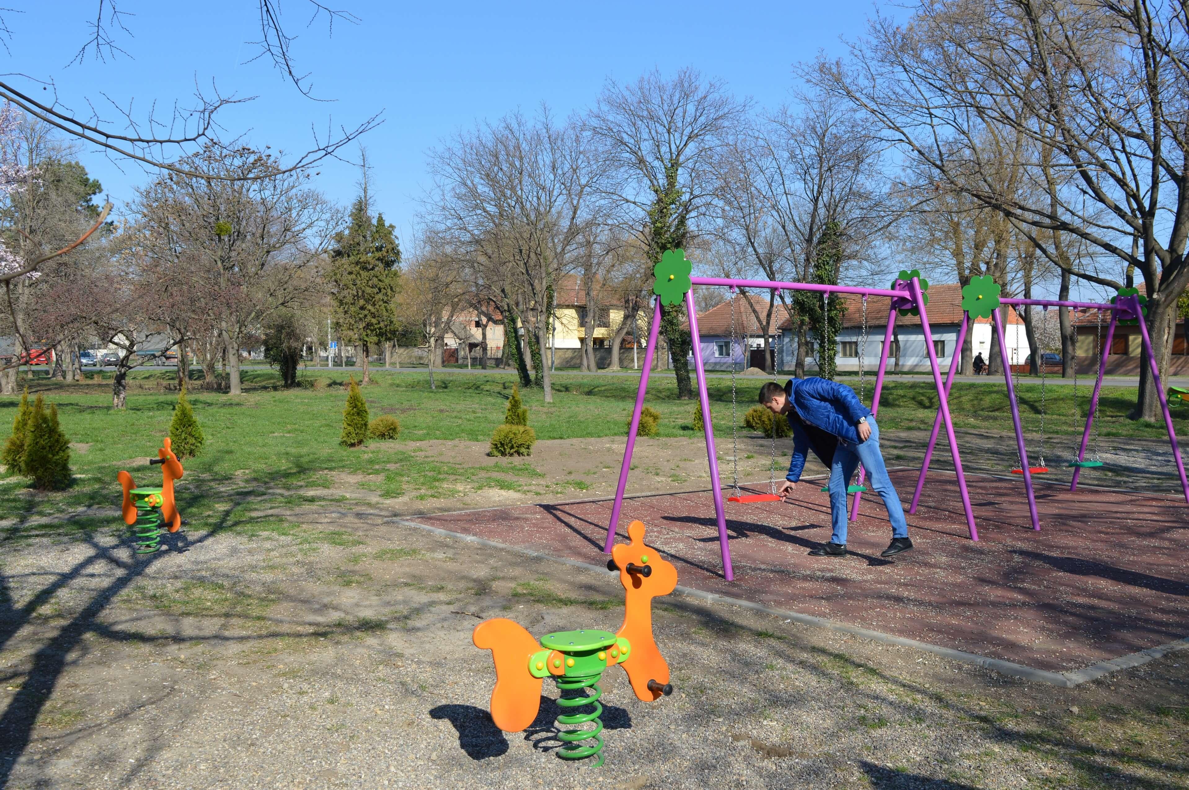 Заменик градоначелнице Антонио Ратковић обишао је ново дечије игралиште