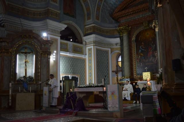 Света миса у цркви св. Петра и Павла у Бачком Моноштору