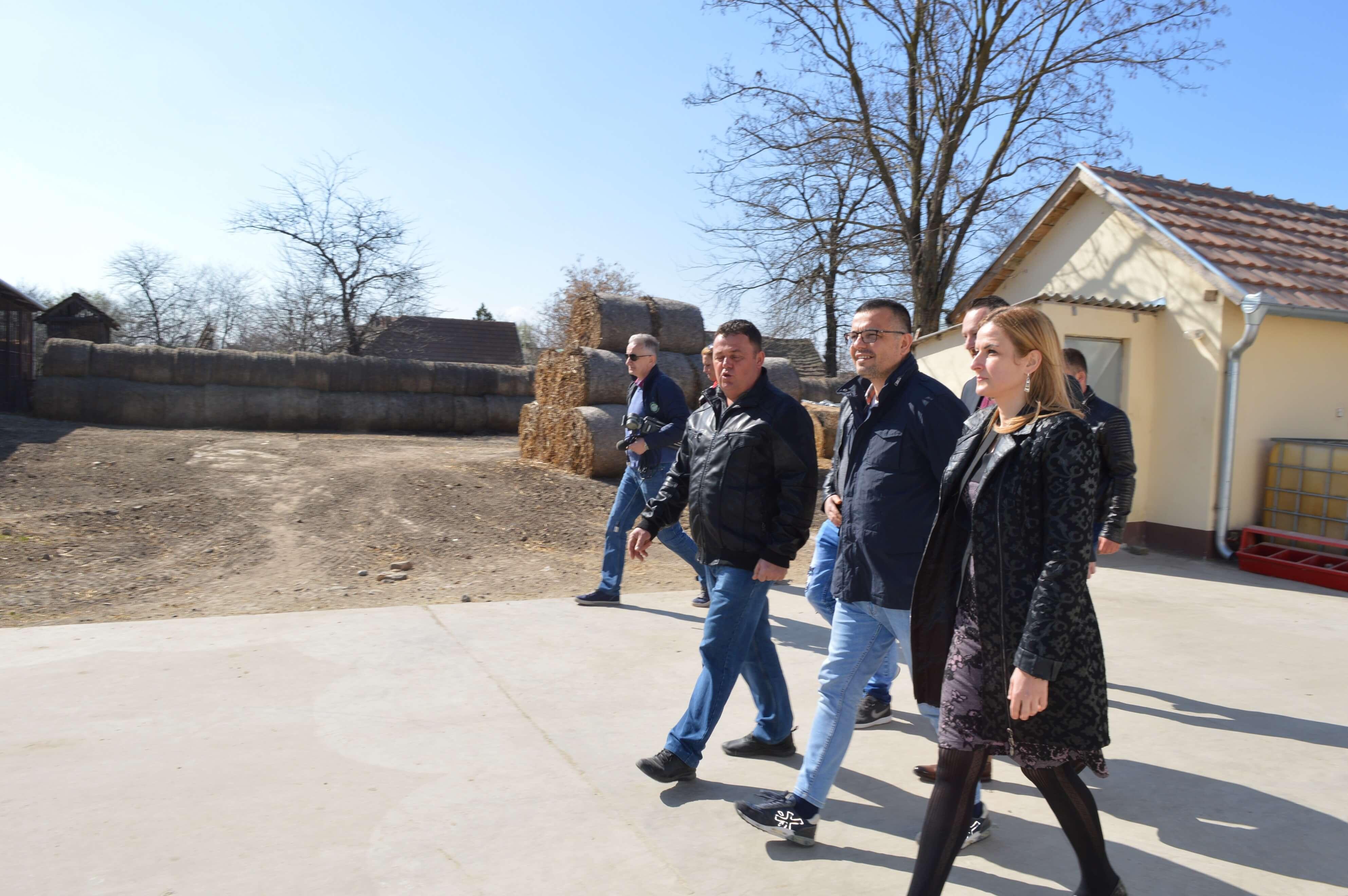 Радове на одржавању насипа су обишли заменик градоначелнице Антонио Ратковић и градски већник за област пољопривреде и заштите животне средине Дарко Радуловић