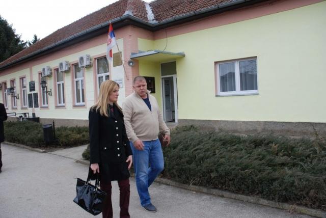 Градоначелница Душанка Голубовић и  председник МЗ Алекса Шантић Немања Кандић