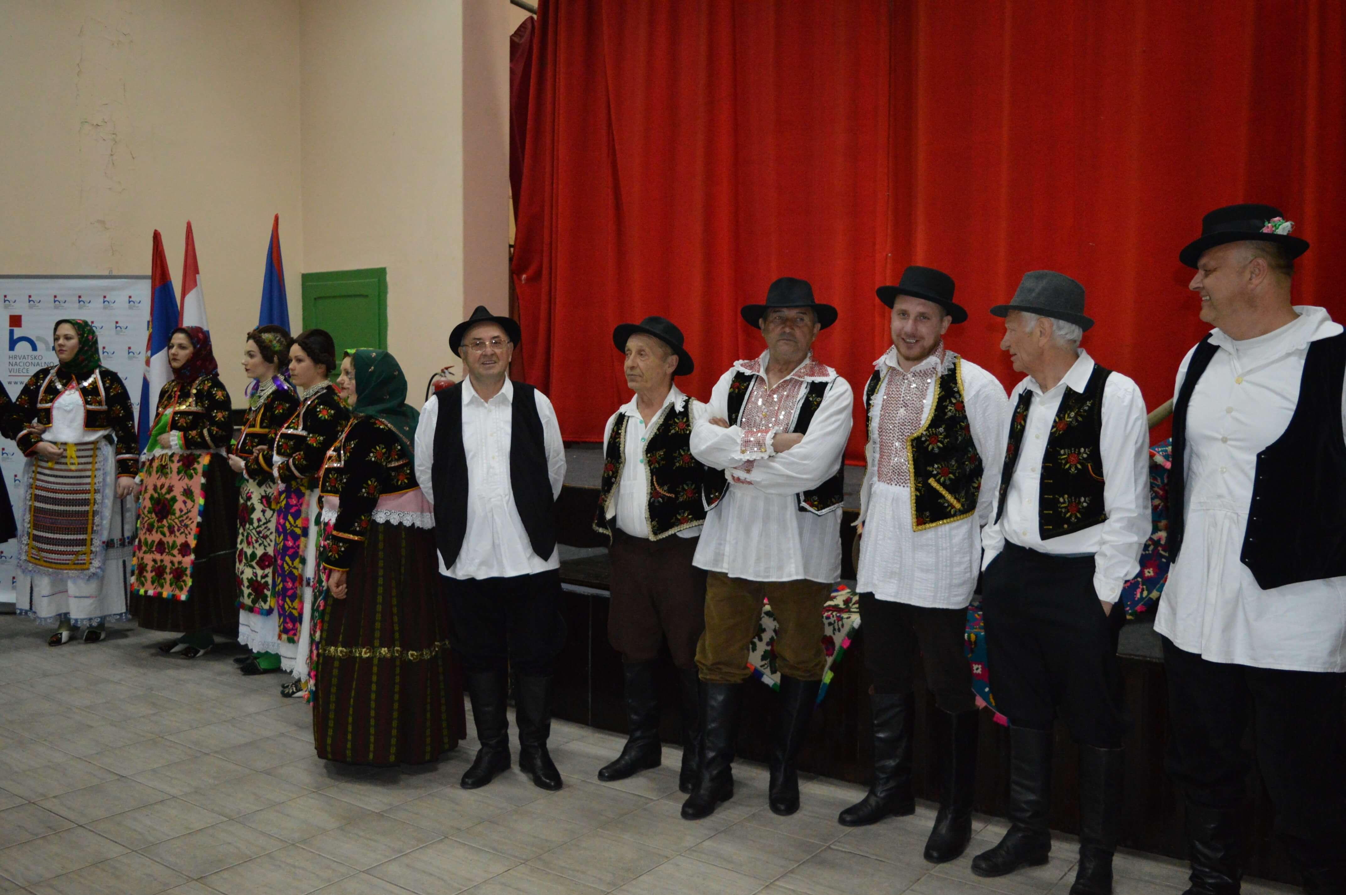 Учесници програма на обележавању празника  хрватске националне заједнице у Бачком Моноштору