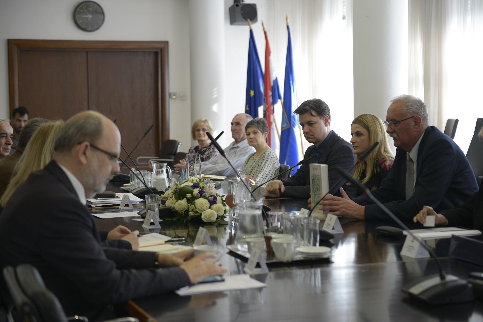 Градоначалница Душанка Голубовић је представила моделе подршке Града Сомбора удружењима која се баве културно-уметничким радом и очувањем традиције мањинских заједница
