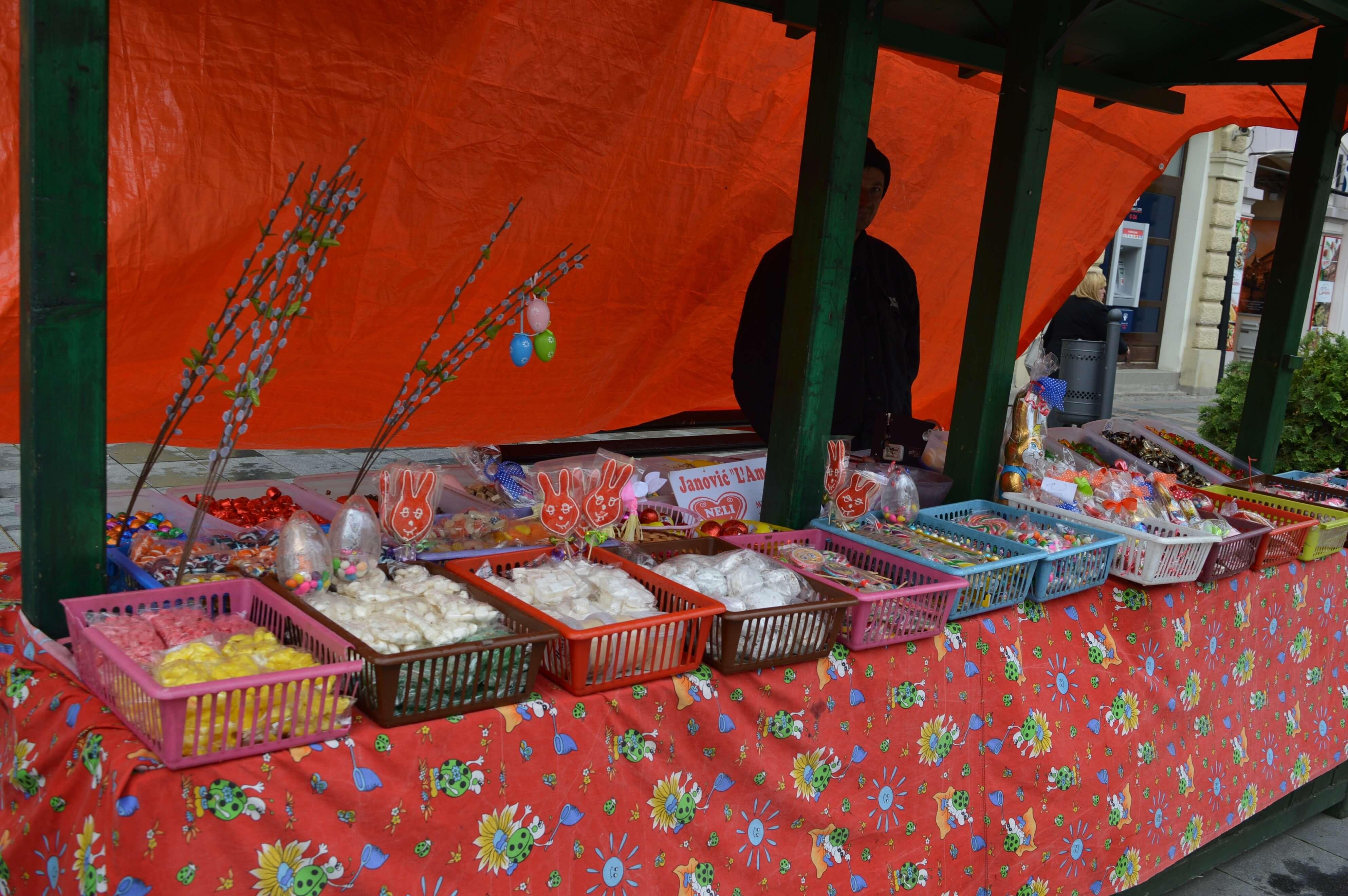 Pored cvećara na Festivalu svoje proizvode izložili i stari zanati