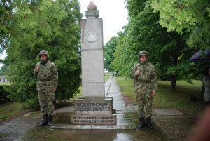 Венци положени на споменике палим борцима у другом светском рату