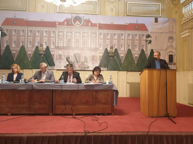 Велики број грађана који су дошли да чују новине и велики број предлога за измену и допуну закона од самих учесника