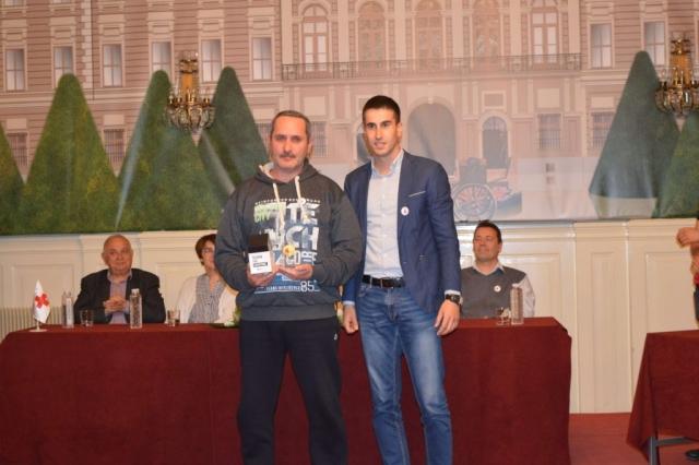 Заменик градоначелнице града Сомбора Антонио Ратковић уручио је признање за Јакоб Јулија који је остварио јубиларно 100-то давање крви у 2018. години