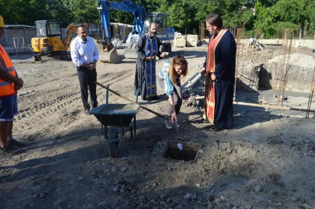 Градоначелница Сомбора Душанка Голубовић положила камен темељац новог пословно стамбеног објекта у Сомбору