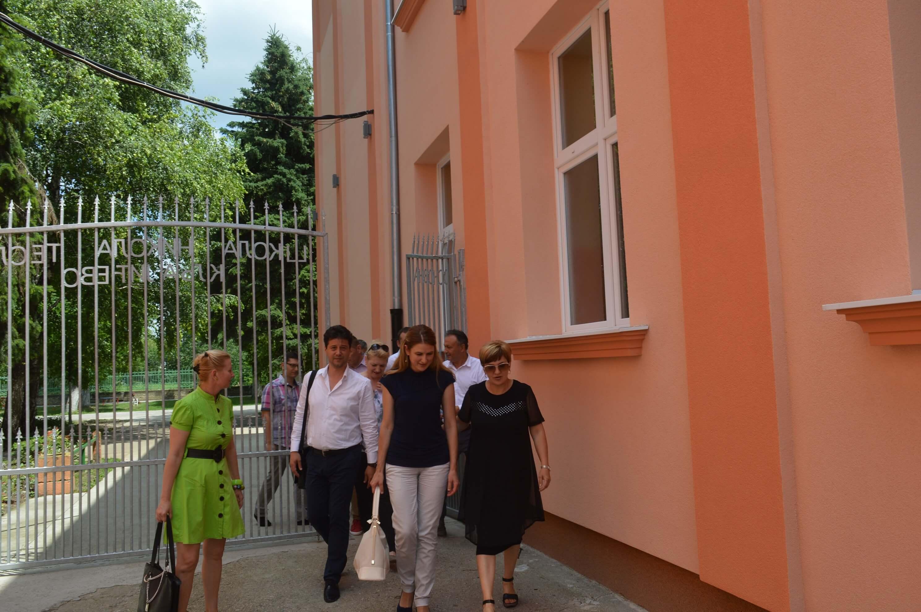 """Посета Основној школи """"Никола Тесла"""" у Кљајићеву поводом завршетка радова на термоизолацији и постављању фасаде."""