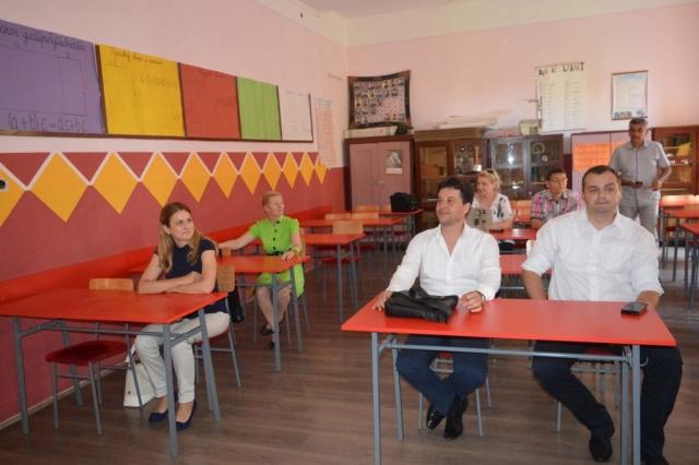 Приказана је и презентација о школи и њеној обнови