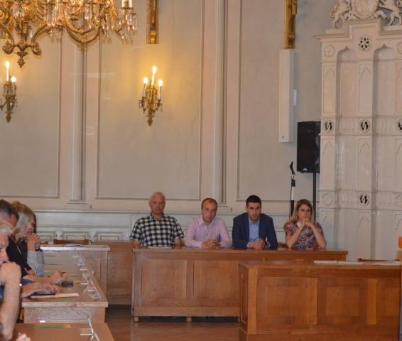 Седници присуствовала градоначелница Сомбора Душанка Голубовић, заменик градоначелнице Антонио Ратковић и помоћници градоначелнице као и чланови градског већа града Сомбора