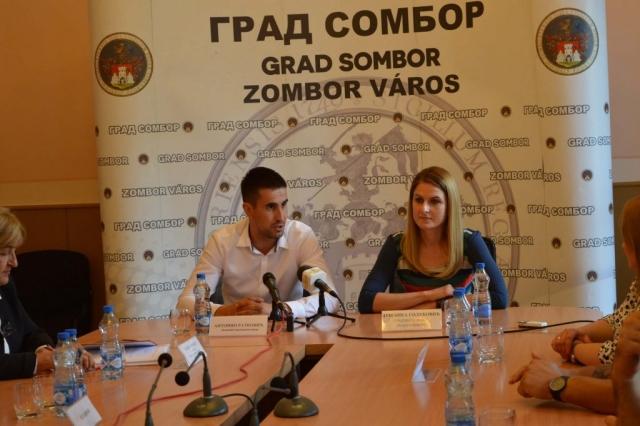 Градоначелница Сомбора Душанка Голубовић и заменик градоначелнице Антонио Ратковић поздравили присутне