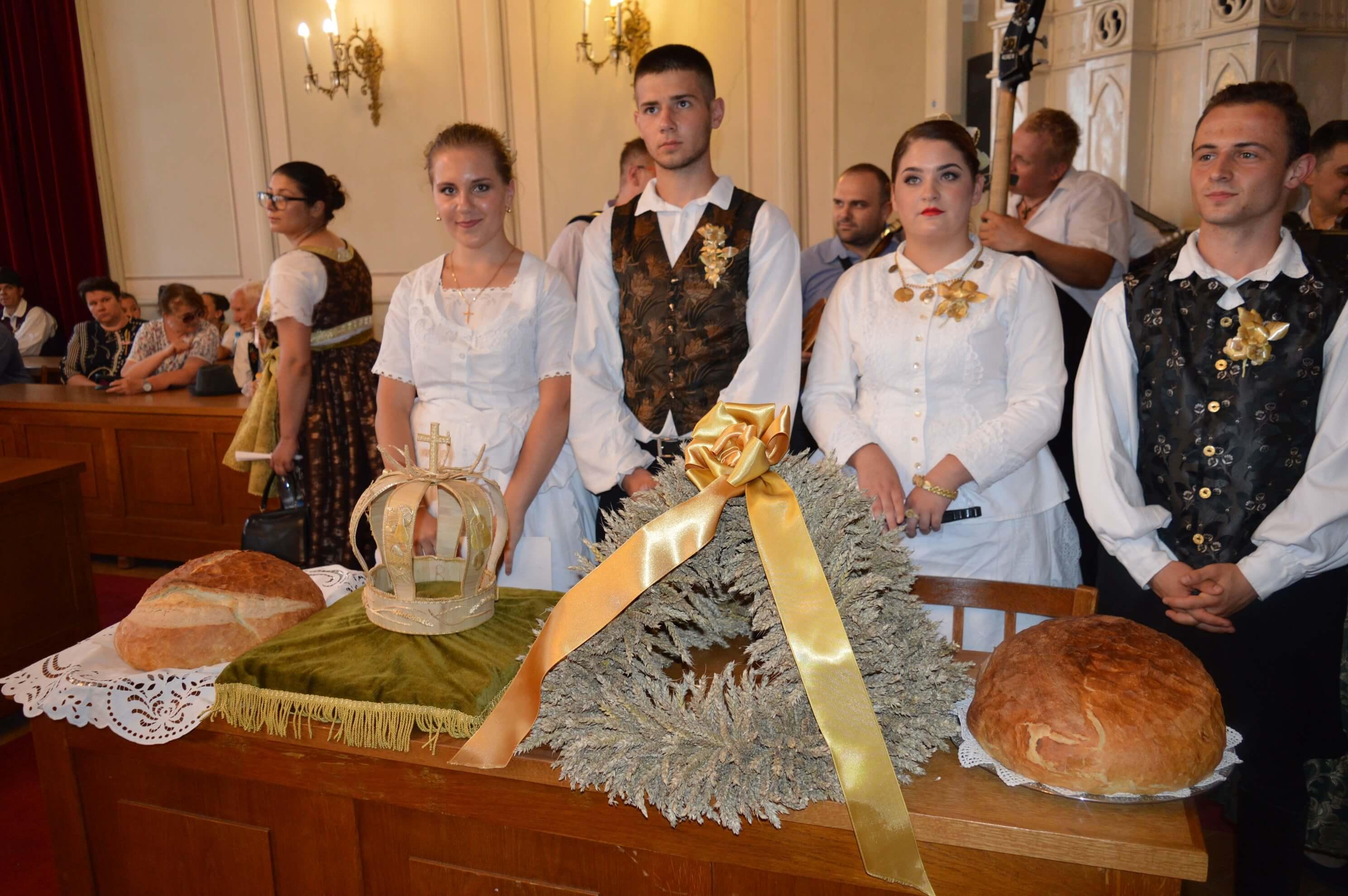Хлеб и дарови од новог жита