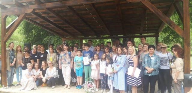 Овом приликом награђена су деца која су учествовала на ликовном конкурсу посвећеном пиротском ћилиму