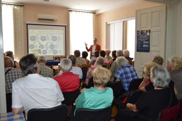 Презентација о безбедности старијих учесника у саобраћају у Градском удружењу пензионера Сомбор