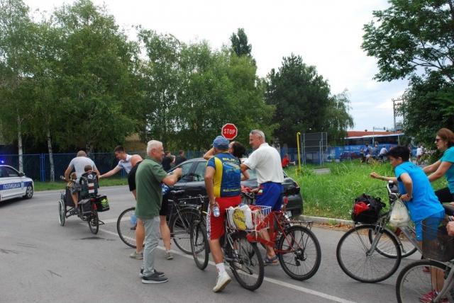Бициклисти су одвозили промотивни круг од 8 км око Сомбора,