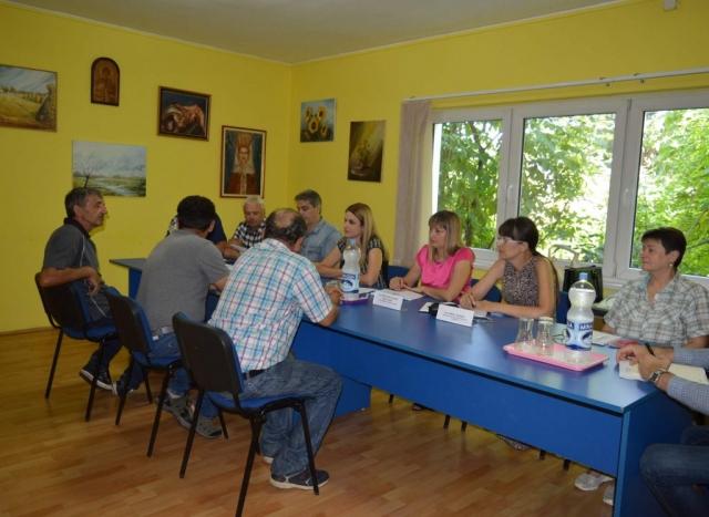 Произвођачи млека из Градине заинтересовани за обнову дома, изградњу или реконструкцију пута