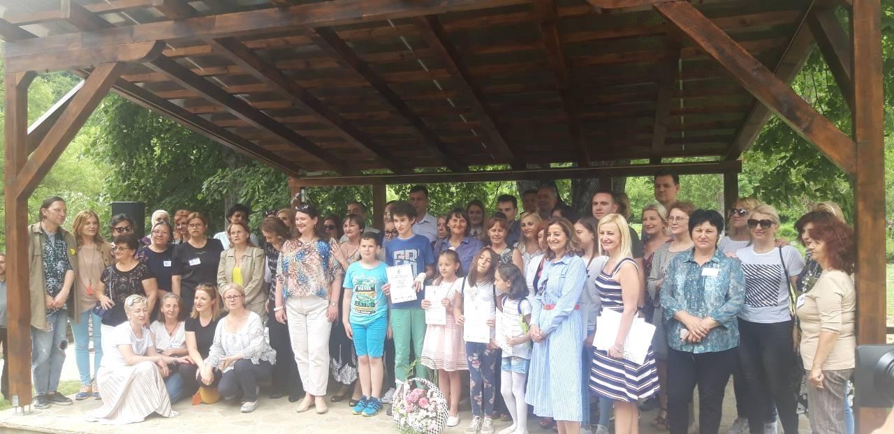 Градоначелница Душанка Голубовић са сарадницима и члановима савета МЗ Млаке у обиласку просторија овог месне заједнице