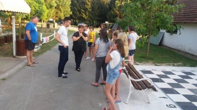 """Летња школа Црвеног крста одржава се у одмаралишту """"Багремара"""" у Бачкој Паланци"""