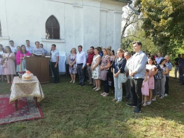Литургији су присуствовали градоначелница Сомбора Душанка Голубовић и градски већник Немања Сарач