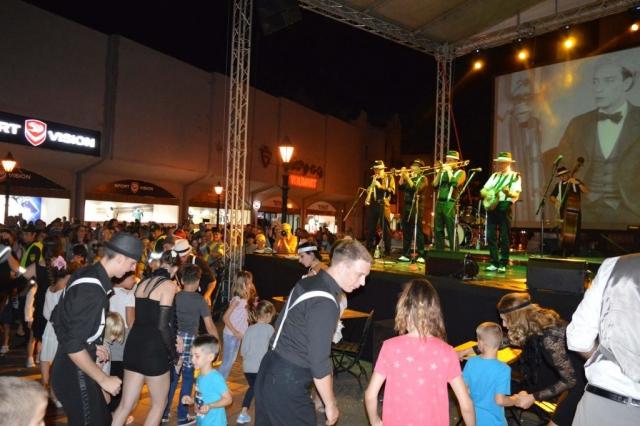 Са плесачима из Раванграда заиграла је и публика