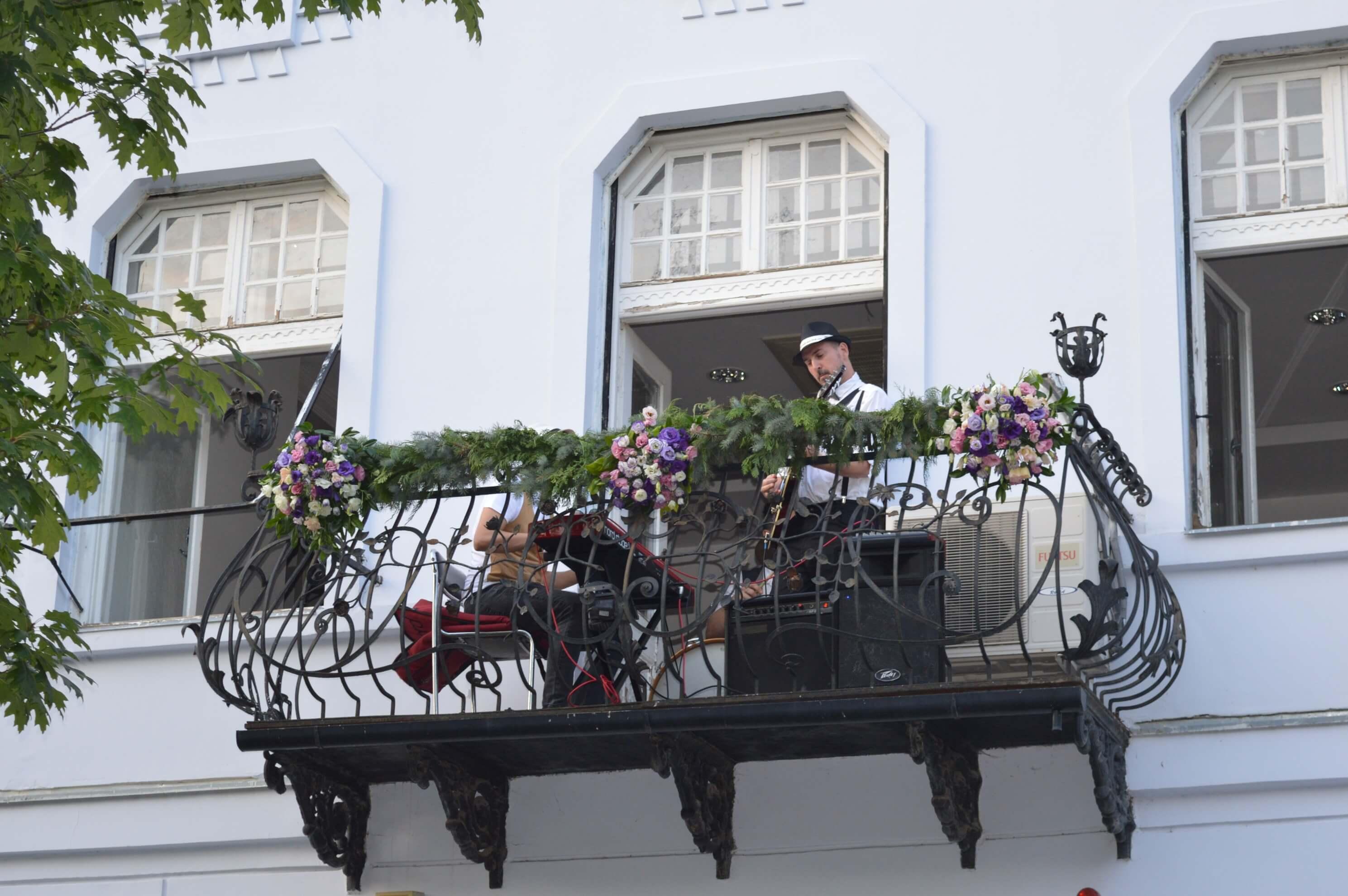 Фестивал уличних свирача у Сомбору део наступа имао на Балконима Главне улице