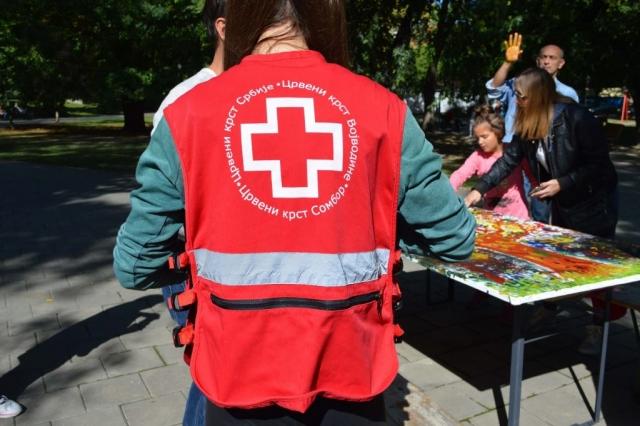 """Радионицу су заједнички организовали Црвени крст Сомбор и  """"MOBILITY"""" ДОО Сомбор."""