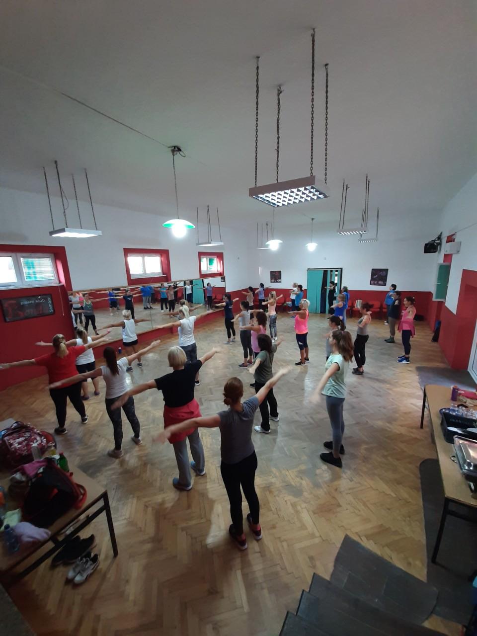 """Час фитнеса и спортске рекреације у сали МЗ """"Нова Селенча"""""""