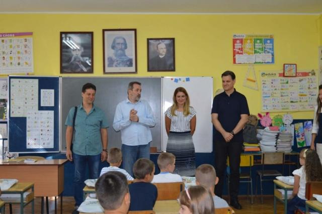Потписан уговор за стипендирање између Града Сомбора и Тање Недељков