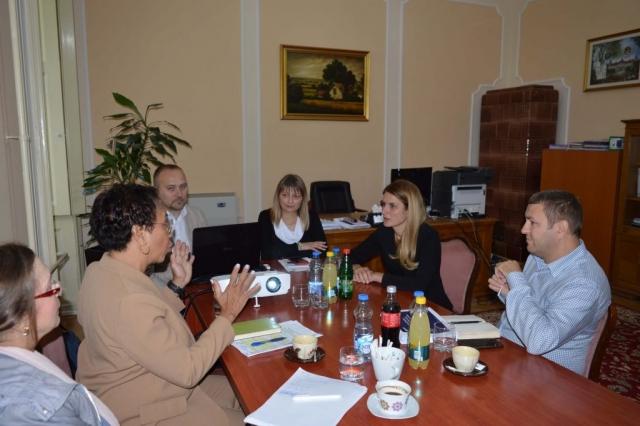 Sastanak održan u cilju analize Izveštaja sa istraživanja javnog mnjenja-stavovi građana Sombora korisnika usluga prema radu gradske uprave i javnih gradskih službi