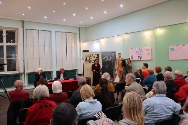 О књизи су говорили Марко Паовица, књижевни критичар и Душан Савић, аутор.