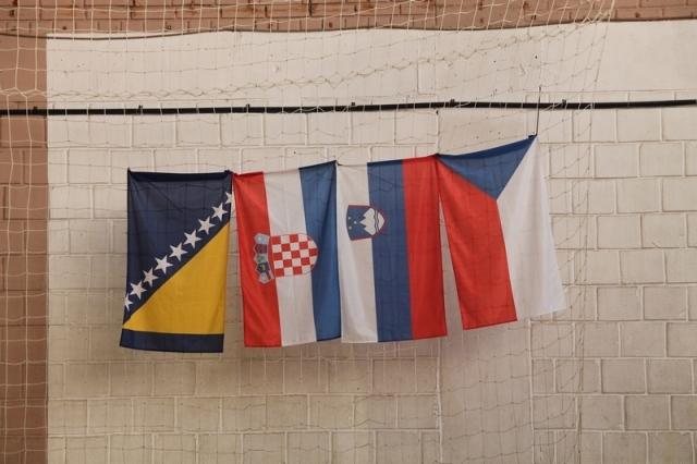 Zastave zemalja gostiju, Bosne i Hercegovine, Hrvatske, Slovenije i Češke