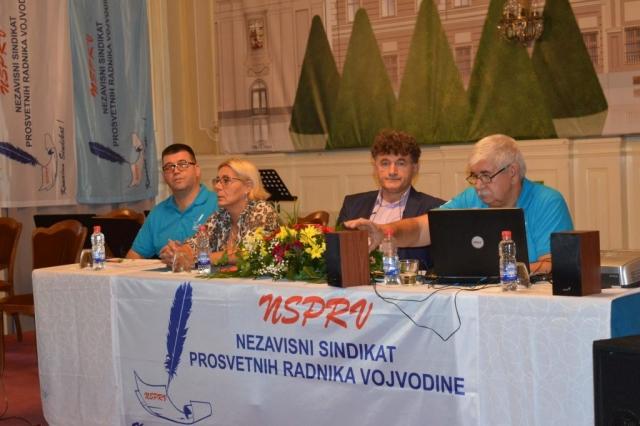 Predstavnici Nezavisnog sindikata prosvetnih radnika Vojvodine
