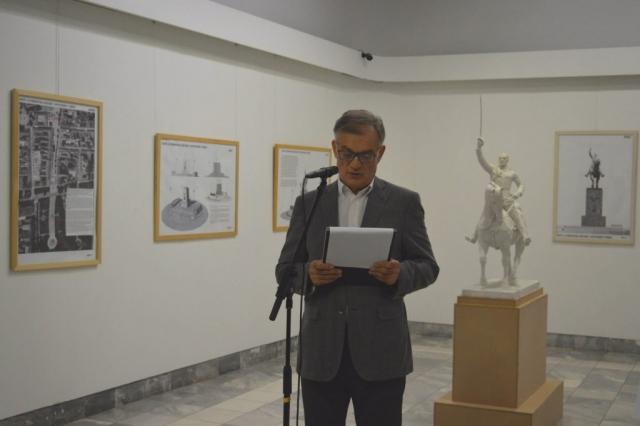 Главни урбаниста града Сомбора Милан Стојков отворио је изложбу
