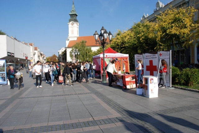 Lokalni koordinacioni tim za borbu protiv trgovine ljudima, čiji je sastavni deo Crveni krst Sombor, organizovao je manifestaciju u cilju podizanja svesti javnosti o problemu i posledicama trgovine ljudima